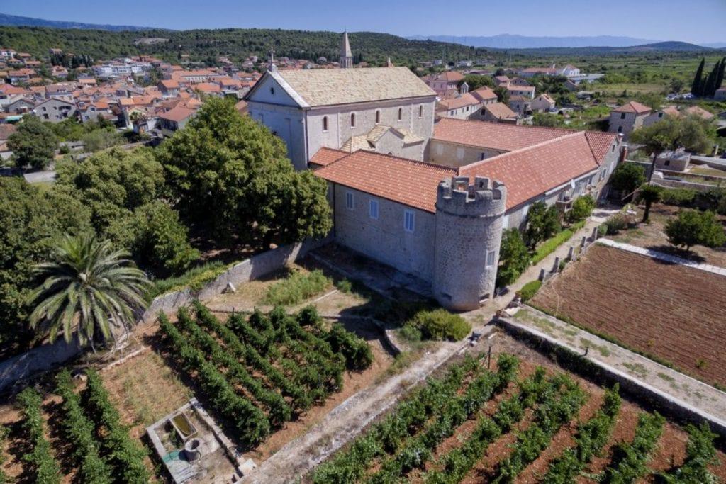 Stari Grad dominikanski samostan