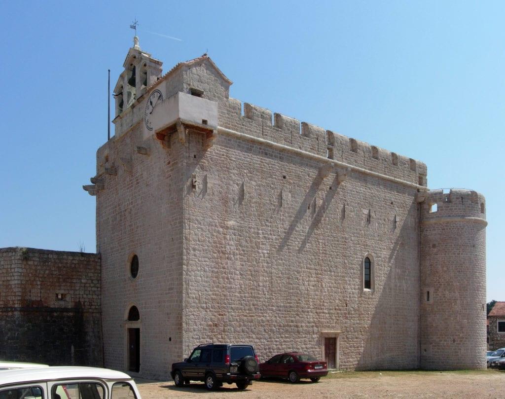 Vrboska crkva