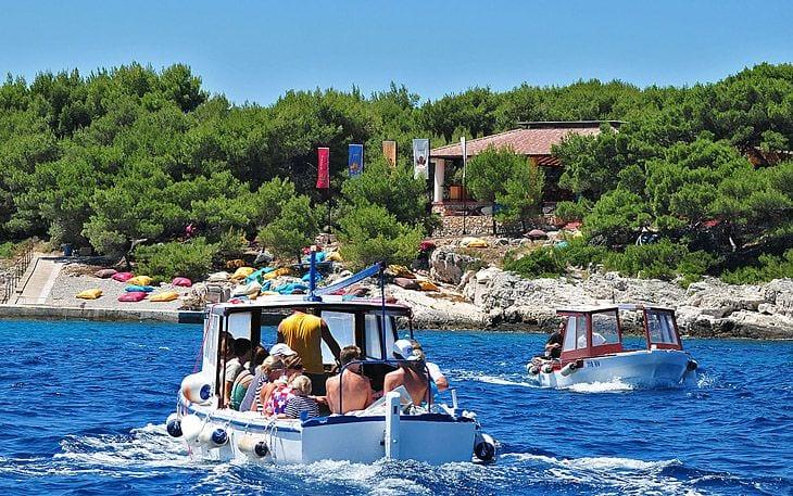 Hvar town Pakleni otoci jerolim beach