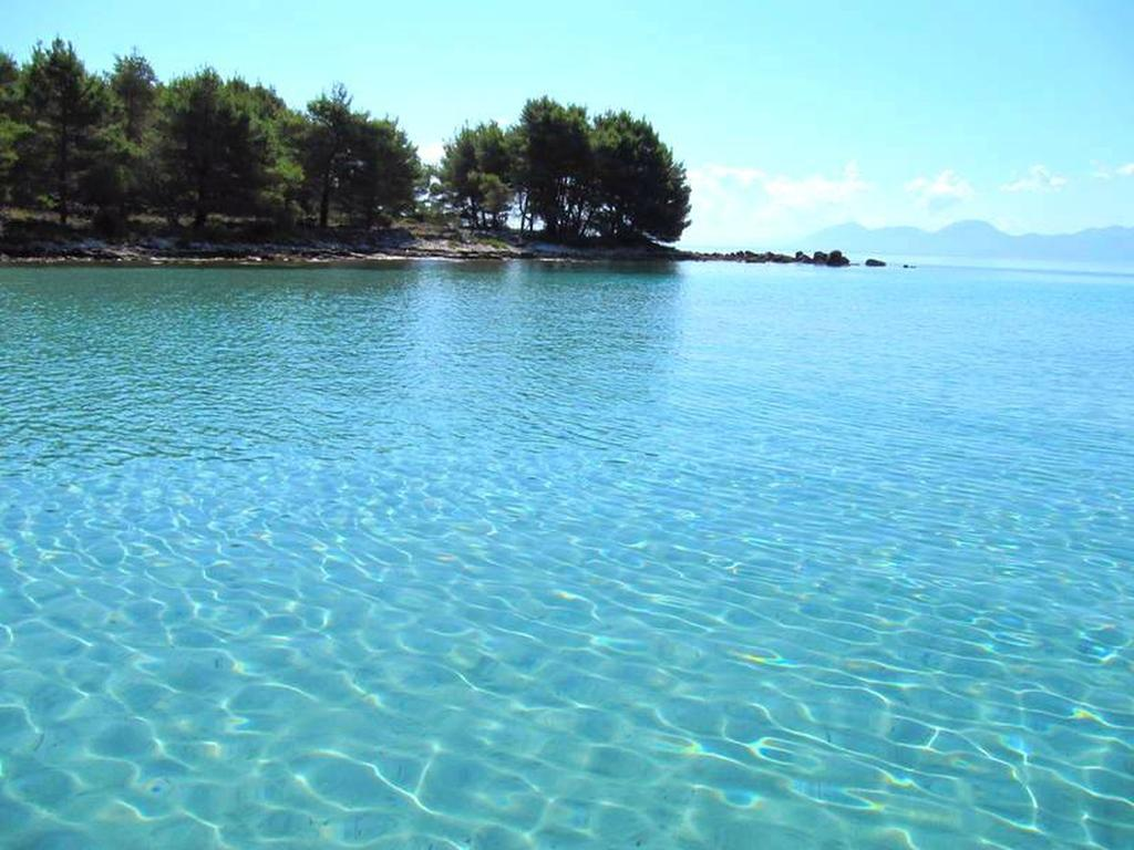 Island Hvar Perna bay